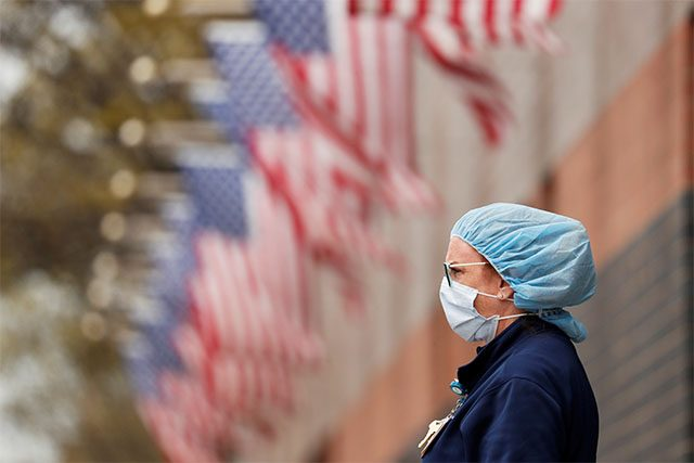 U.S. coronavirus deaths surpass Vietnam War toll as Florida governor meets Trump
